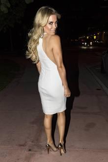 An ihrem letzten Abend in Miami lässt es Sylvie in diesem sexy Outfit noch einmal so richtig krachen, wie gewohnt natürlich in Pumps mit XL-Absätzen. Wie lange sie in diesen Heels wohl tanzen kann?