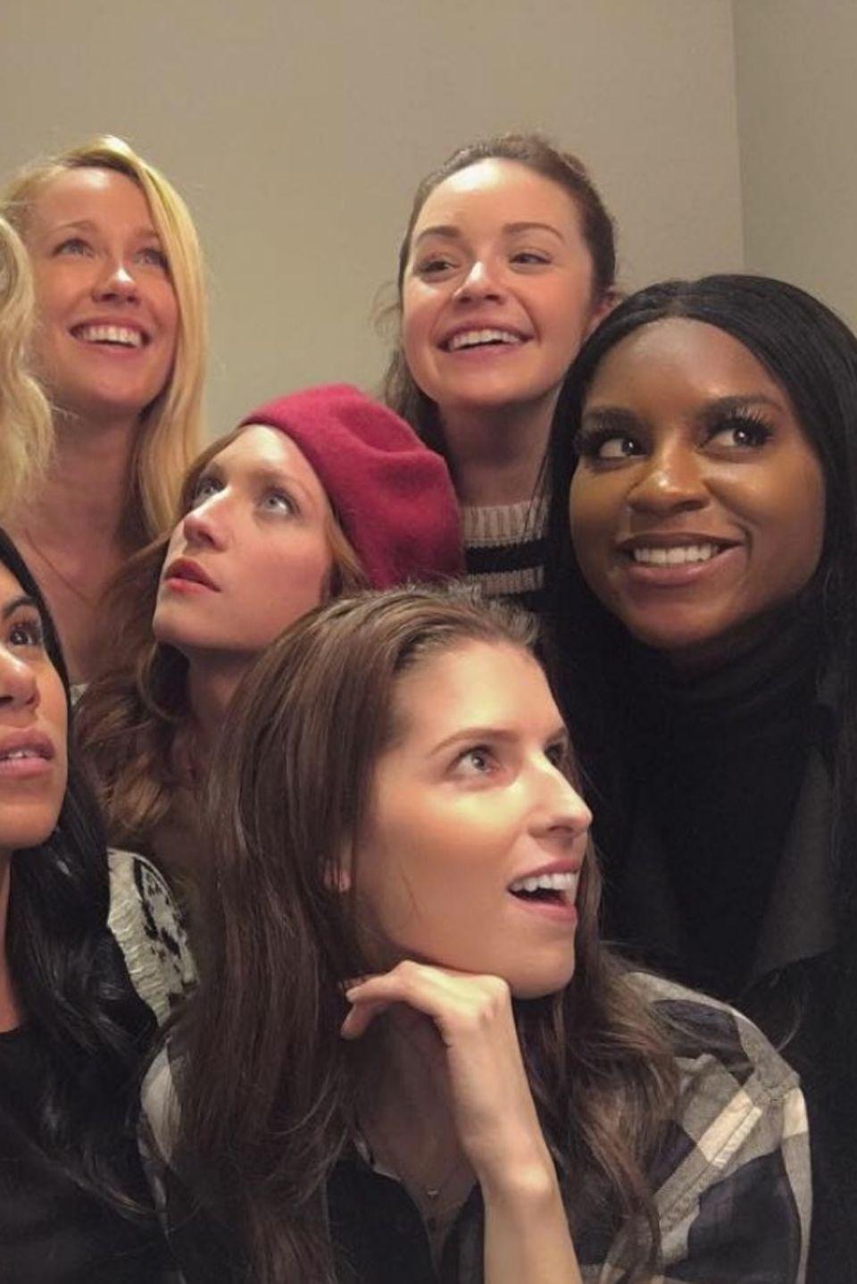 Anna Kendrick, Rebel Wilson und Co.  Wiedervereinigung der Pitch Perfect Gang. Schauspielerin Anna Kendrick postet dieses Bild auf ihrem Instagram Account.