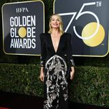 Stylischer Silberstreif am Horizont: Margot Robbie in Gucci