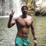 Da hat aber jemand zugelegt! Ex-Nationalspieler Arne Friedrich war während seiner aktiven Karriere zwar immer gut trainiert, aber dennoch recht schlaksig. Nun zeigt sich der 38-Jährige ungewohnt muskulös im Meer im Urlaub in Costa Rica. Hartes Training zahlt sich eben aus!