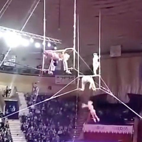 Akrobatiknummer geht schief.