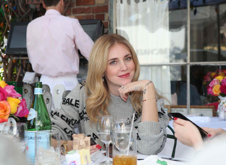 10. Januar 2018  Star-Bloggerin Chiara Ferragni speist mit Freunden im Ivy Restaurant in Los Angeles zu Mittag.
