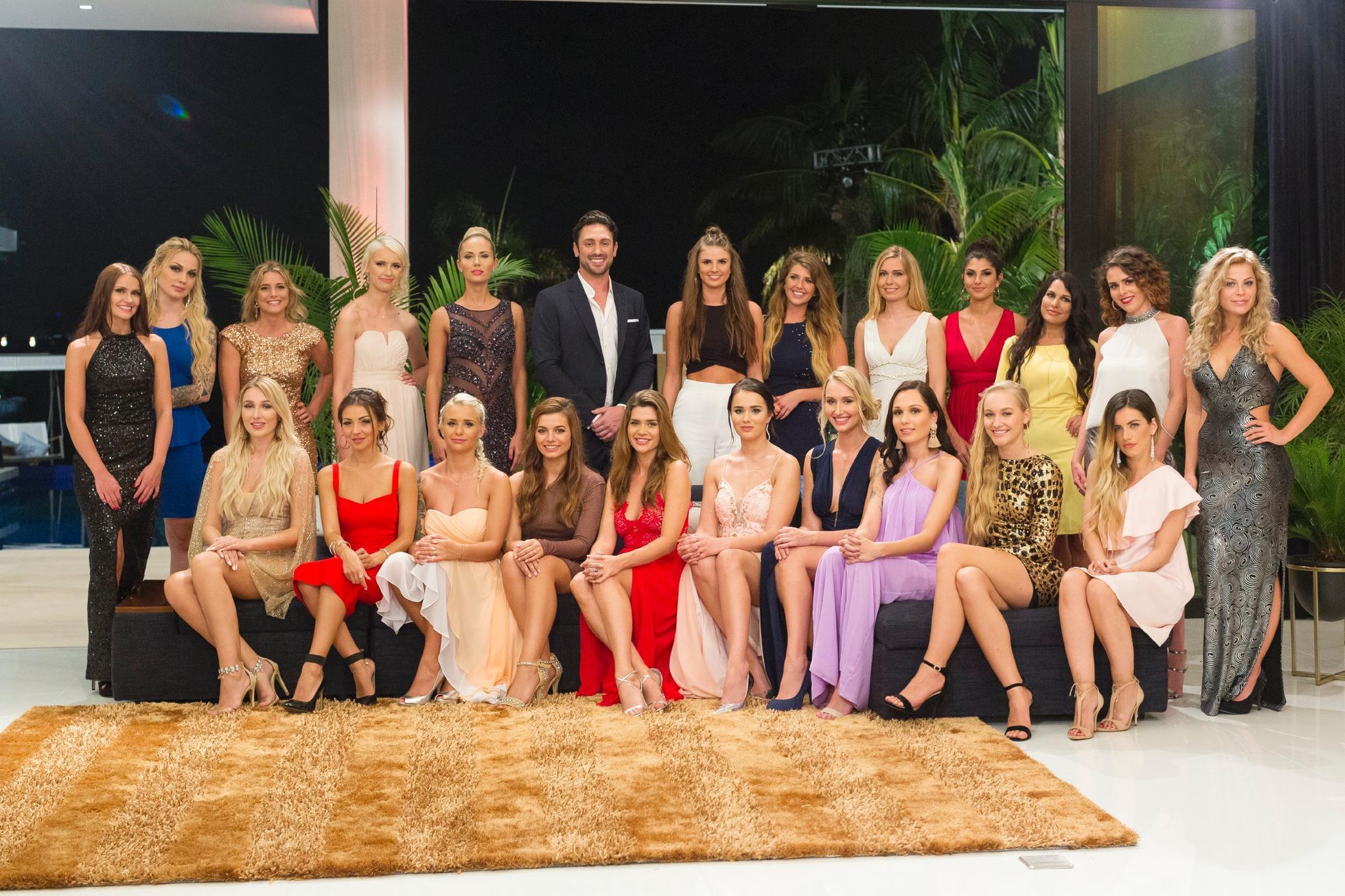 """Der """"Bachelor"""" Daniel Völz und die 22 Kandidatinnen, die ihm den Kopf verdrehen wollen"""