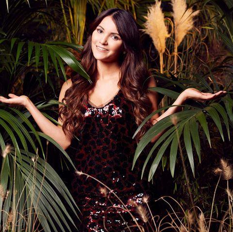 """Bachelor-Kandidatin Kattia Videsist eine temperamentvolle Kolumbianerin, die großen Respekt vor ihren Mitcampern hat. Wird sie im Dschungel eine Flirtoffensive starten? """"Wenn die Liebe meines Lebens da ist, warum nicht?"""""""
