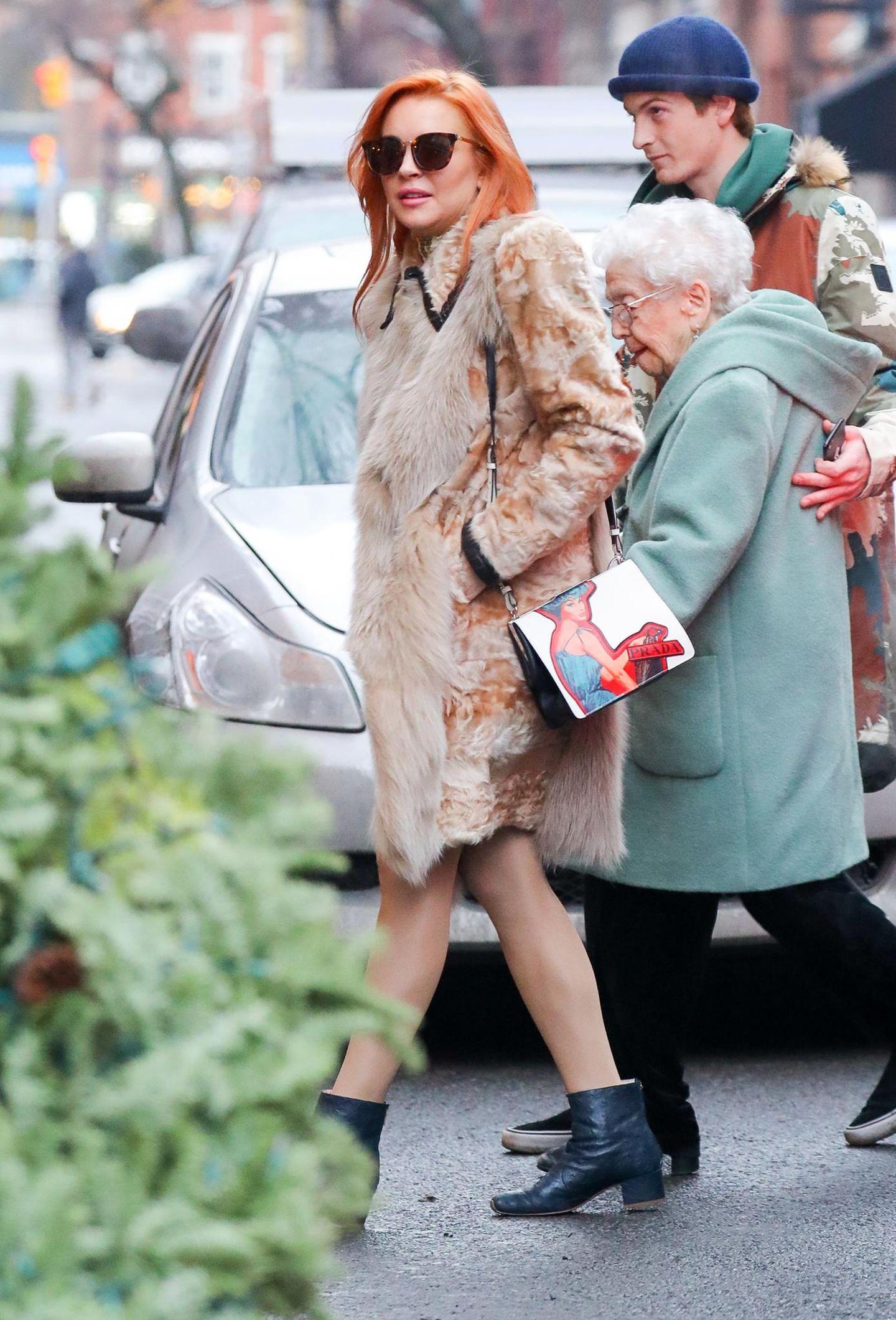 12. Januar 2018  Lindsay Lohan ist mit ihrer Großmutter unterwegs in New York. Die rüstige Dame feiert ihren 94. Geburtstag. Alles Gute!