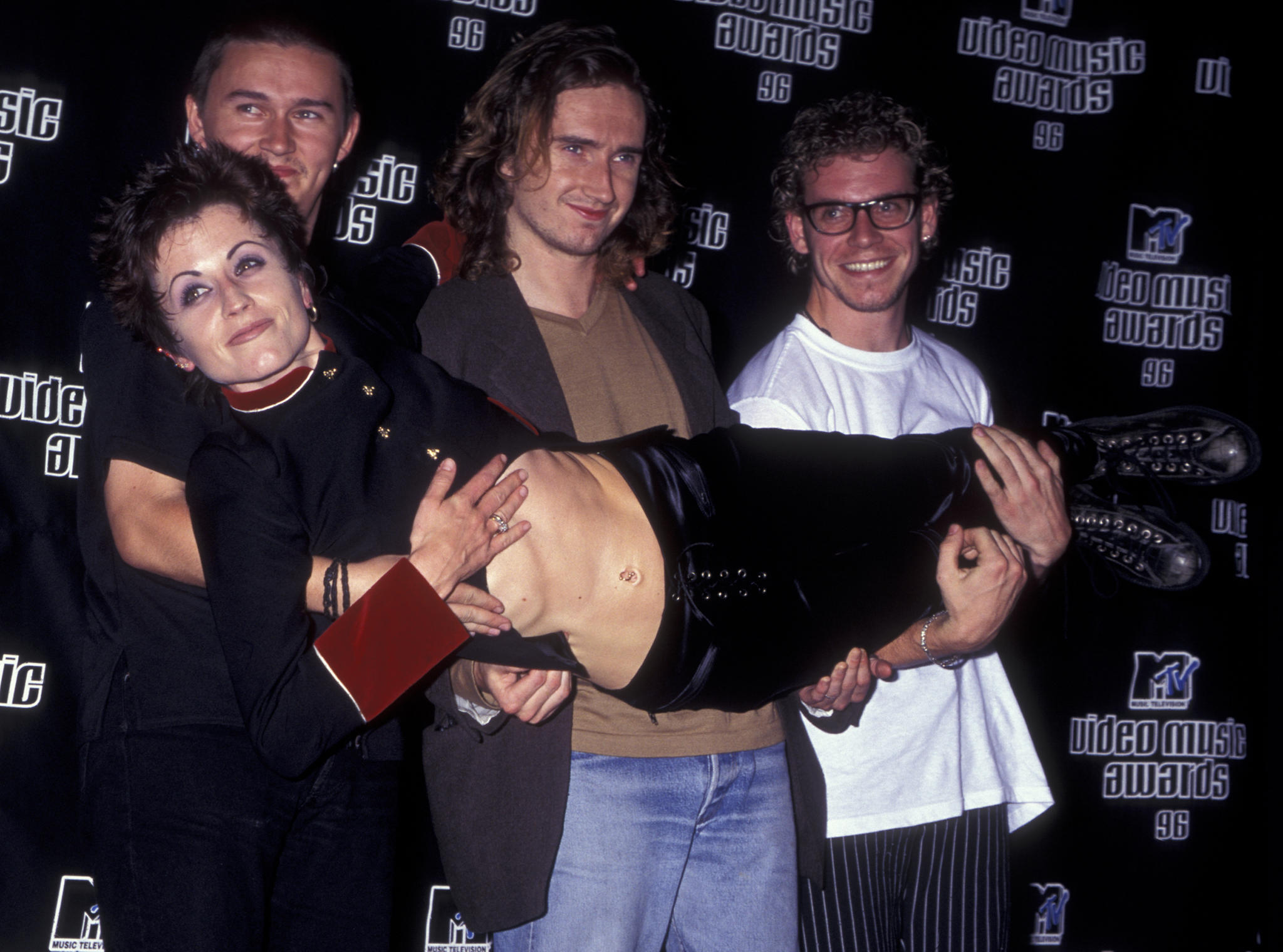 Dolores O'Riordan und die Cranberries bei den MTV Video Music Awards 1996 in New York City