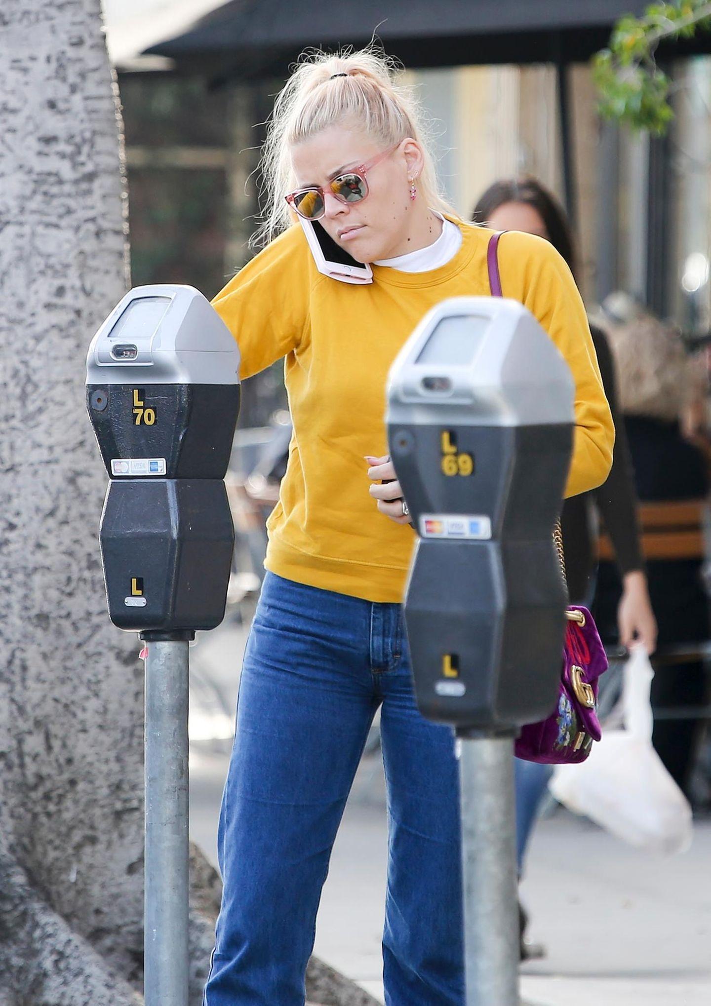 15. Januar 2018  SchauspielerinBusy Philipps scheint nicht besonders begeistert über die Parkgebühren in Los Angeles.