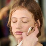 Kreatives Make-up bei Perret Schaad von Catrice.