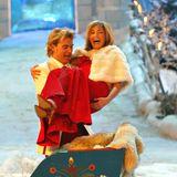 """4. Februar 2006  So macht Weihnachten spaß: Das spätere Traumpaar der Schlagerszene versprüht Freude während der Show: """"Winterfest der Volksmusik"""". Damals waren sie noch nicht zusammen - ob es da schon gefunkt hat?"""