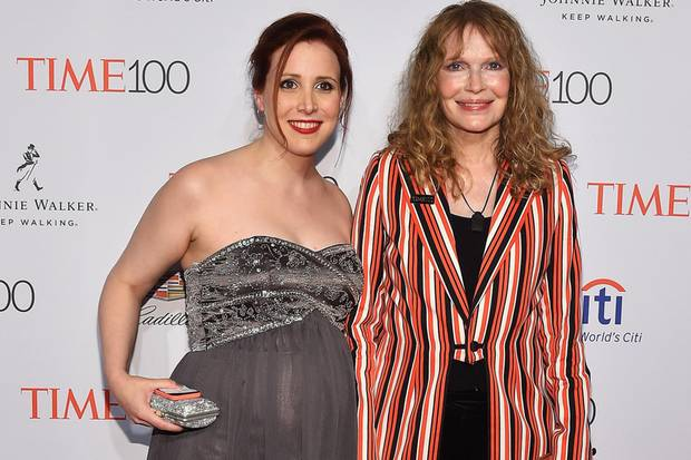 Dylan Farrow mit ihrer Mutter Mia Farrow