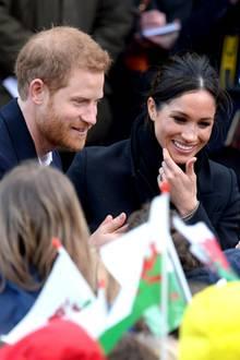18. Januar 2018  Heute steht für Prinz Harry und Meghan Markle ein Besuch in Cardiff auf dem Programm. Das Paar wird bei seiner Ankunft herzlich in Empfang genommen.