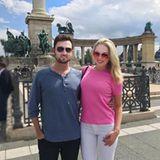 Auch auf Reisen hat Tiffany Trump ihren Barbie-Look im Koffer. Selbst ihre Sonnenbrille ist - na klar - pink.