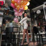 Bei Tiffany kann kein Kleid der Welt zu kurz und kein High Heel zu hoch sein. Und damit alles auch noch besonders wirken kann, inszeniert sie ihre Looks auf Instagram so, dass ihre Beine ewig lang wirken.
