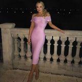 Als wäre das blonde Haar und das Gesicht à la Barbie nicht schon genug, zieht Tiffany Trump auch noch ein rosa Bodycon-Kleid und Killer-Heels an. Mehr Püppchen geht nun wirklich nicht!