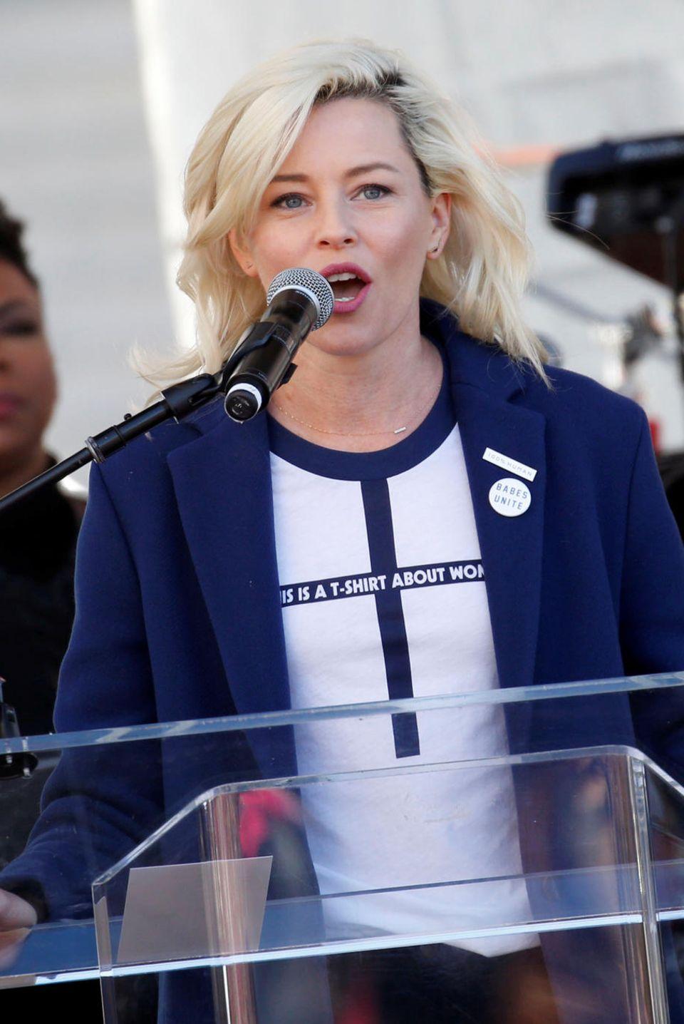 Auch Elizabeth Banks erhebt ihre Stimme.