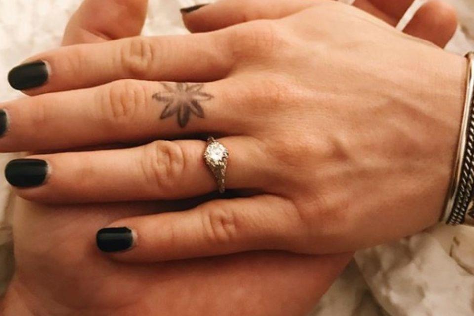 ER hat sich verlobt