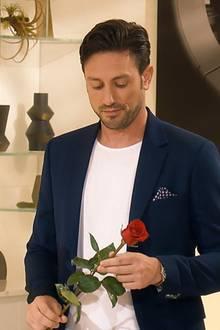 Daniel Völz bei der dritten Nacht der Rose. Welche Frauen kommen weiter?