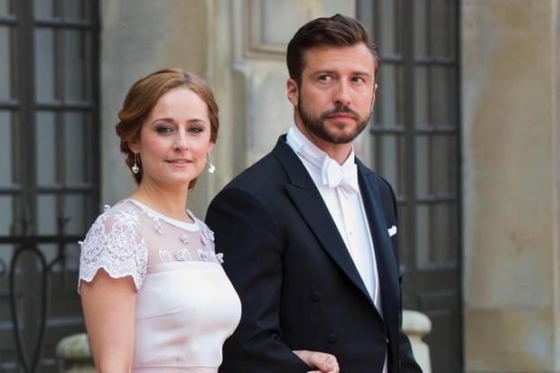 Lina Hellqvist und Jonas Frejd bei der kirchlichen Hochzeit von Prinz Carl Philip und Prinzessin Sofia.