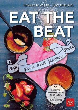 """Da ist Musik drin: Henriette Wulff und Udo Einenkel haben sich für ihre 50 Gute-Laune- Rezepte von berühmten Rockund Popklassikern inspirieren lassen. Ob Rolling Stones oder Red Hot Chili Peppers – hier ist hier für jeden Musikfan der passende Rezept-Hit dabei.(""""Eat the Beat"""", BLV Verlag, 128 S., 20 Euro)"""