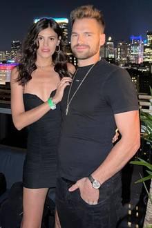 Staffel 5:  Nach ihrem Sieg 2010 zog es Alisar Ailabouni ins Ausland. Während der Pariser Haute Couture Woche läuft sie für Ralph&Russo in einem 24 Karat-Goldkleid über den Laufsteg. Vorher sah man sie schon in Mailand und New York - aus modischer Sicht ist Alisar auf jeden Fall eine der erfolgreichsten Siegerinnen der Casting-Show.