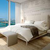 Eines der sechs Schlafzimmer des Musikproduzenten verfügt über einen traumhaften Ausblick auf das Meer. So bleibt für den Grammy-Gewinner genügend Platz zum Träumen.