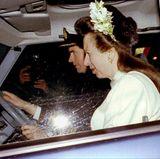 Prinzessin Anne schließt ihre zweite Ehe mit Timothy Laurence am 12. Dezember 1992 in Schottland in einer kleinen Kirche. Ohne viel Öffentlichkeit und royale Gäste.