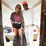 12. Dezember 2017  So lässig kann Reisen sein: Beyoncé Knowles und Ehemann Jay Z lassen sich im Privatjet fotografieren.
