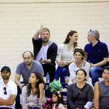 13. Januar 2018  Gemeinsam beim Basketballmatch ihres Jüngsten: Ben Affleck feuert seinen Sohn Samuel an. Derweil unterhält sich Jennifer Garner ausgelassen mit dem netten Herren zu ihrer Linken.
