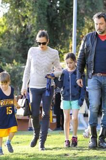 27. Januar 2018  Familientag im Coldwater Canyon Park in Beverly Hills: Sohn Samuel, Jennifer Garner, Tochter Seraphina und Ben Affleck verbringen wertvolle gemeinsame Zeit.