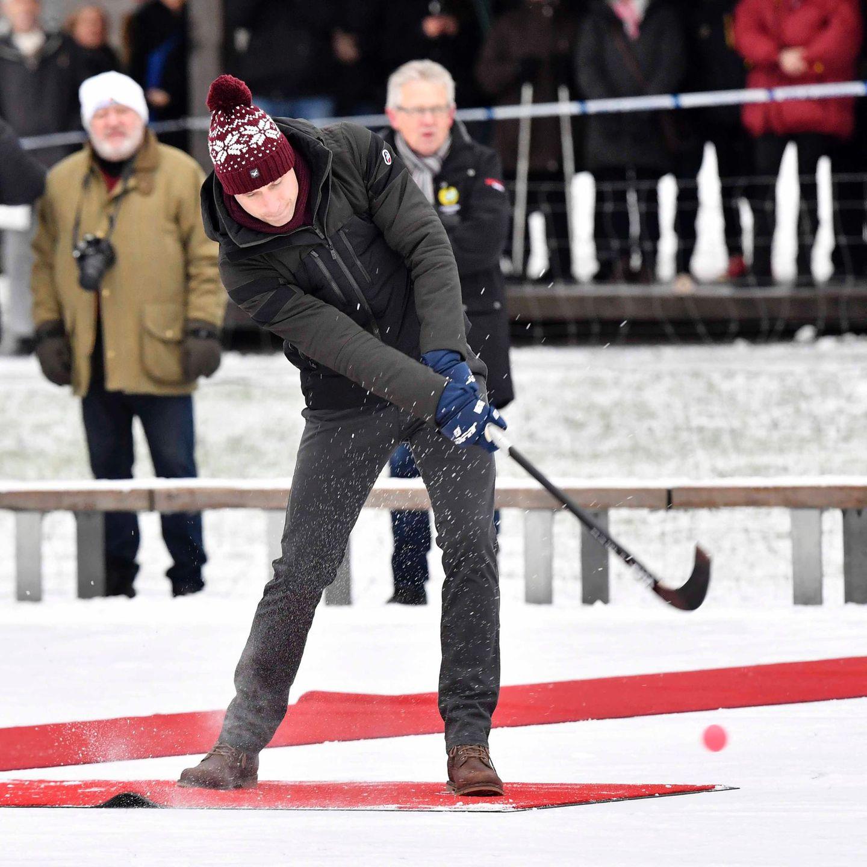 Schweden - Tag 1  Prinz William haut zu und der Ball fliegt ... Doch wohin?