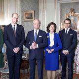 Schweden - Tag 1  Gipfeltreffen der Royals: Kate und William werden im königlichen Schloss in Stockholm von König Carl Gustaf, Königin Silvia, Prinz Daniel und Prinzessin Victoria (v.l.n.r.) empfangen. Was auffällt: Während die Briten freundlich lachen, schauen die Schweden eher unterkühlt in die Kamera.