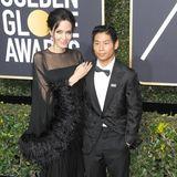 8. Januar 2018  Groß ist er geworden - und scheinbar ein richtiger Herzensbrecher: Sohn Pax Thien während der Golden Globe Awards an der Seite seiner sichtbar stolzen Mutter Angelina Jolie.