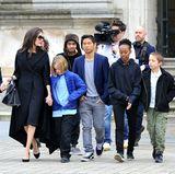 30. Januar 2018  Ruhm hat seine Vorteile: Angelina Jolie und ihre Kids Shiloh, Vivienne, Maddox, Pax, Zahara und Knox erhalten eine private Führung durch das Louvre.