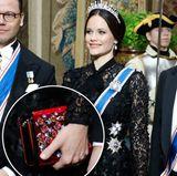 Diese Handtasche macht Prinzessin Sofias Tiara ziemlich Konkurrenz. Das samtige It-Piece von Christian Louboutin funkelt durch seine aufgestickten Kristalle in Blumenform nämlich mindestens genauso wundervoll. Kostenpunkt: 1.650 Euro.