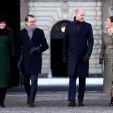 Schweden - Tag 1  Herzogin Catherine und Prinz William lassen sich von Daniel und Victoria durch Schwedens Straßen führen. Ziel ist der historische Platz Stortorget, eine der Hauptsehenswürdigkeiten Stockholms.