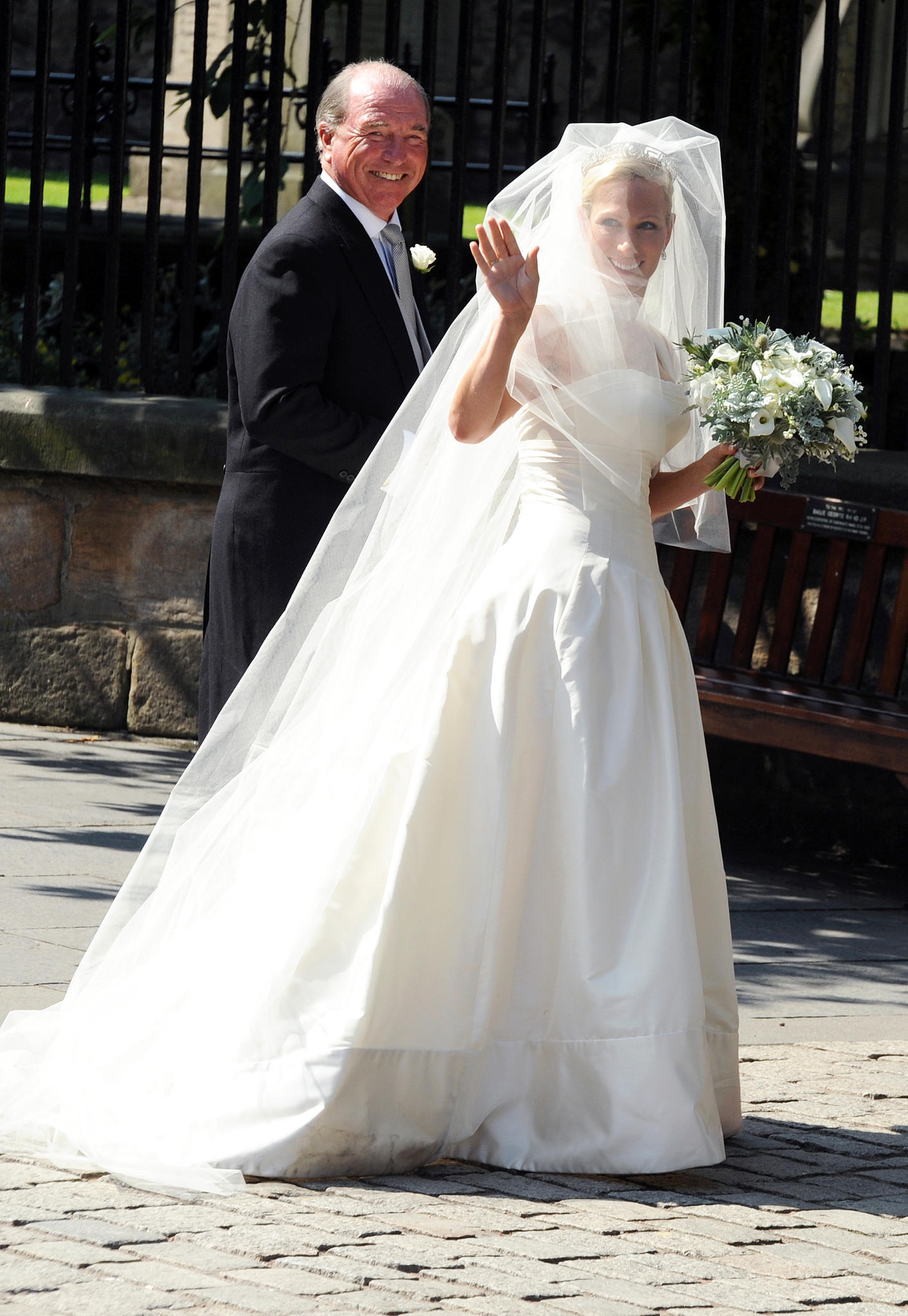 Schlicht, traditionell, elegant: Zara Phillips heiratet 2011 in einem Design von Stewart Parvin.