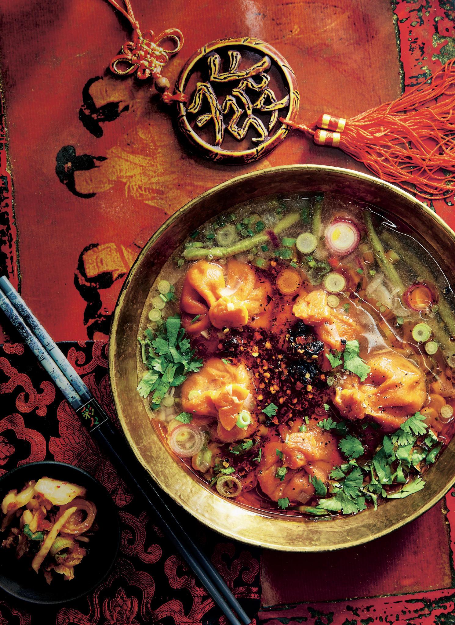 Sauer-scharfe Suppe mit Kimchi-Chausou