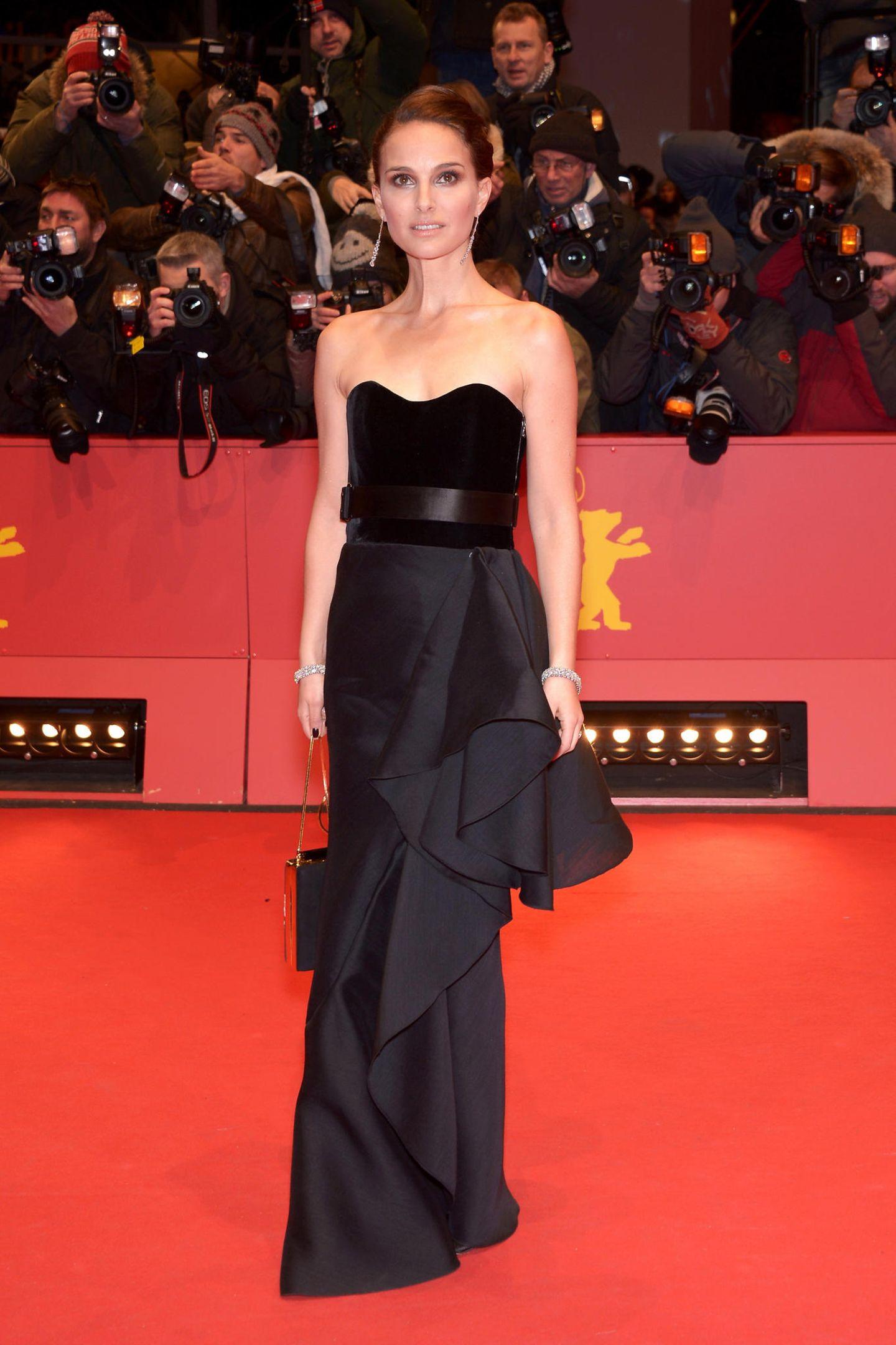 """Schon einen Tag zuvor hatte Natalie Portman mit diesem eleganten Bustier-Kleid von Lanvin die Gäste der """"Knight of Cups""""-Premiere begeistert."""