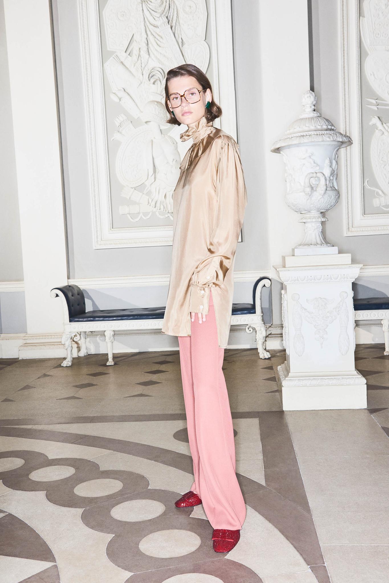 Nur Haut und Knochen: Das angesagte Model Giedre Dukauskaite wirkt in Victoria Beckhams Werbekampagne extrem schmal