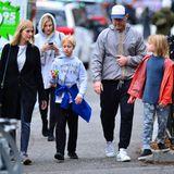 28. Januar 2018  Liev Schreiber unterwegs in New York mit seinen Söhnen Samuel und Alex. Im Schlepptau Freundin Taylor Neisen.