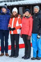 2. Februar 2018  Beim Besuch der Skisprungschanze Holmenkollen wird der Besuchdes britischen Herzogspaar für die norwegischen Royals zur Nebensache ...