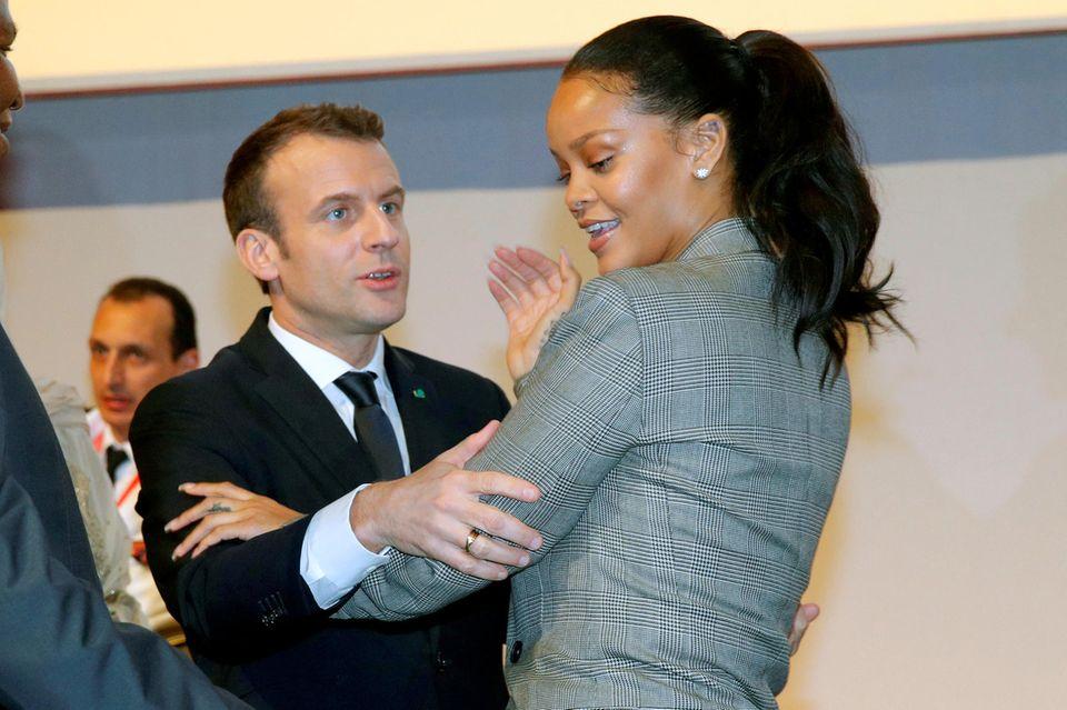 """2. Februar 2018  Bei der """"GPE Financing Conference, an Investment in the Future""""-Veranstaltungin Dakar haben sich Emmanuel Macron und Rihanna eine weltweit bessere Bildung zum Thema gemacht."""
