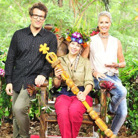 12. Staffel - 2018 - Jenny Frankhauser  2018 hat sich wieder eine Frau den Platz auf dem Dschungelthron erkämpft. Jenny Frankhauser ist die neue Dschungelkönigin. Sie setzt sich im Finale gegenDaniele Negroni undTina York durch.