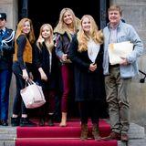 3. Februar 2018  Anlässlich ihres 80. Geburtstags am 31. Januar gibt Prinzessin Beatrix im Königlichen Schloss in Amsterdam einen Geburtstagsempfang. Eingeladen sind neben ihrer Familie auch ihr engster Freundeskreis. Königin Máxima, König Willem-Alexander und die Töchter Alexia, Amalia und Ariane bieten ein schönes Fotomotiv.