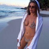 Es gibt wohl kaum einen besseren Weg seine eigene Bademodenlinie zu promoten. Liz Hurley zeigt sich auf ihrem Instagram-Account wieder einmal freizügig und ziemlich heiß. Die 52-Jährige ist in absoluter Topform und präsentiert gerne ihren Wow-Body.