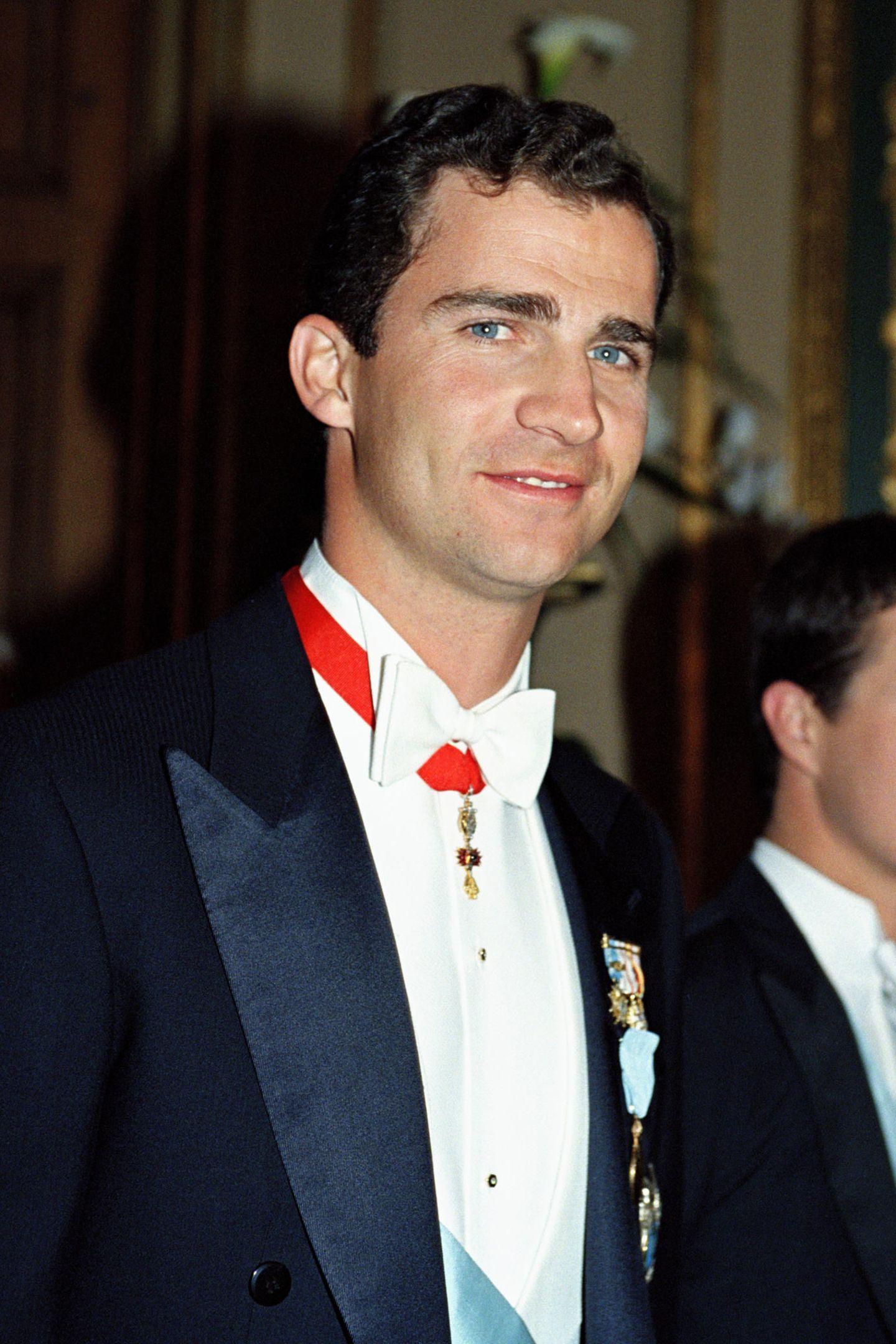 Attraktiv war der Spanier auch schon mit Ende 20. Auf den Bart verzichtete der junge Kronprinz damals.
