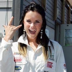 2005 hießt sie noch Sofia Hellqvist. Statt am Hof war die heutige Schwiegertochter von König Carl Gustaf im Showbiz unterwegs: Als Bikinimodel und Reality-TV-Star.