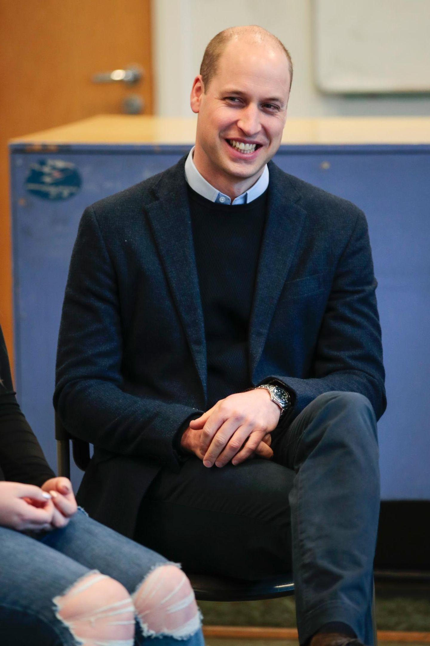 Prinz William heute: Die schwindende Haarpracht des künftigen Thronfolgers ist zu seinem Markenzeichen geworden. Doch der Queen-Enkel sah auch mal anders aus.