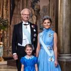 5. Februar 2018  Drei Generationen für die schwedische Krone: König Carl Gustaf, Tochter Prinzessin Victoria und Enkeltochter Prinzessin Estelle. Entstanden ist das Foto um den 200. Geburtstag der Bernadotte-Dynastie zu zelebrieren.