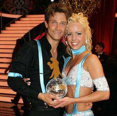 """""""Let's Dance""""-Gewinner 2006  Schauspieler Wayne Carpendale und Tänzerin Isabel Edwardsson."""